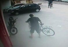 Ciclistas são vítimas de assalto em Fortaleza(FOTO: Reprodução TV Jangadeiro)