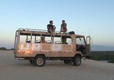 Ônibus é amigo inseparável doEvi Vieira(FOTO: Reprodução TV Jangadeiro)