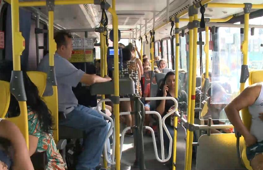 Pular a catraca de ônibus é crime, com prisão de até 2 meses e multa