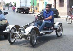 Carlos Antônio cria seu próprio veiculo(FOTO: Reprodução TV Jangadeiro)
