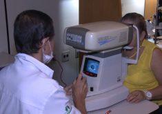 Pacientes aguardam na fila de espera para fazerem a cirurgia de catarata (FOTO: Reprodução TV Jangadeiro)