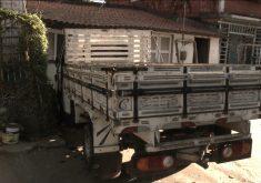 Caminhão invade casa e destrói frente inteira (FOTO: Reprodução TV Jangadeiro)