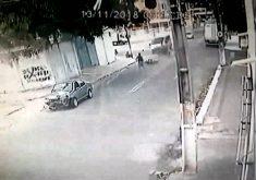Criminosos sofre acidente impressionante em Fortaleza (FOTO: Reprodução TV Jangadeiro)