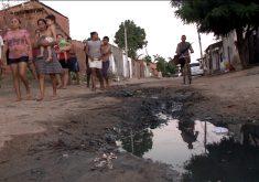 Moradores reclamam da falta de estrutura em rua de Fortaleza (FOTO: Reprodução TV Jangadeiro)