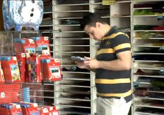 Pais antecipam as compras de materiais para os filhos (FOTO: Reprodução TV Jangadeiro)