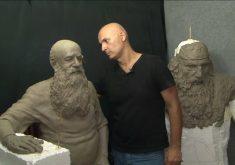 Alex Oliveira faz sucesso no mundo inteiro com esculturas incríveis (FOTO: Reprodução TV Jangadeiro)