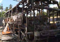 Ônibus da Banda de forro Fubá de Milho é incendiado em Fortaleza (FOTO: Reprodução TV Jangadeiro)