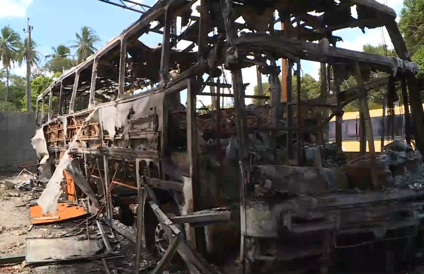 Banda de forró faz campanha para recuperar prejuízo de ônibus incendiado em ataque