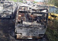 Em Ibaretama, a frota de veículos foi destruída em ataque (FOTO: Divulgação/Prefeitura de Ibaretama)