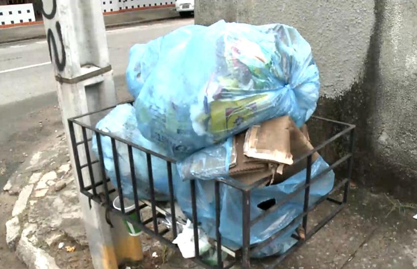 Coleta de lixo é realizada em Fortaleza apenas sob escolta policial