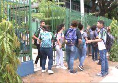 Alunos de escolas públicas podem assistir à aula sem fardamento (FOTO: Reprodução/TV Jangadeiro)