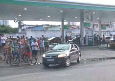 O posto assaltado fica localizado na Rua Dr. Thompson Bulcão (FOTO: Reprodução/TV Jangadeiro)