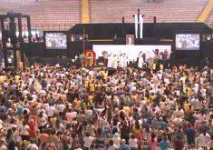 Festa da Divina Misericórdia aconteceu no Ginásio Paulo Sarasate (FOTO: Reprodução/TV Jangadeiro)
