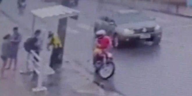 Homem se reconhece em vídeo de assalto durante gravação de reportagem