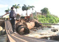 Travessia perigosa na Maraponga (FOTO: Reprodução/TV Jangadeiro)