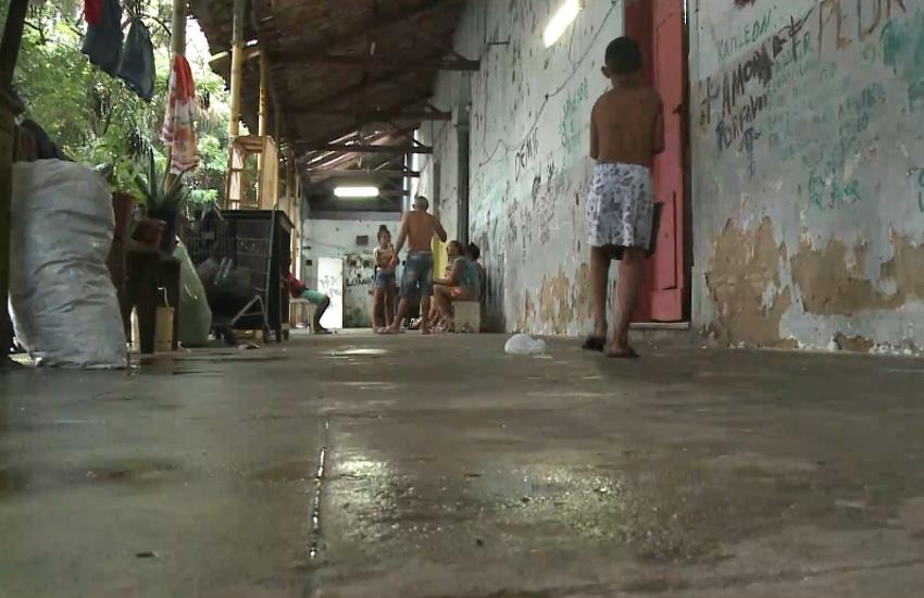 Famílias transferidas de prédio tombado no Centro de Fortaleza agora temem facções