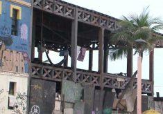 Prédios abandonados se tornam moradia de pessoas carentes. (Foto: Reprodução/TV Jangadeiro)