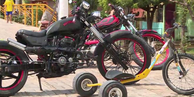 Mecânico cearense cria veículo incomum unindo bicicleta e patinete