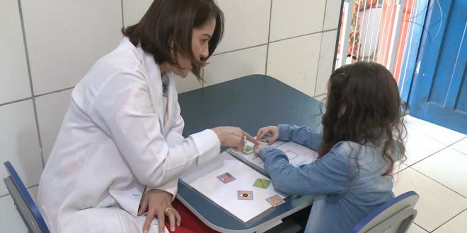Instituição que presta atendimento a crianças com autismo sofre por falta de verbas