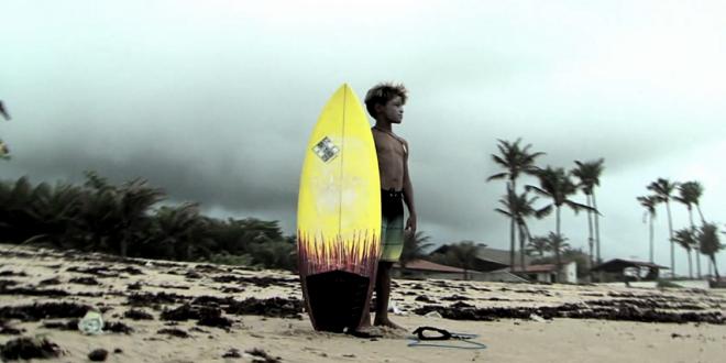 Com apenas 8 anos, cearense é destaque no surf nacional